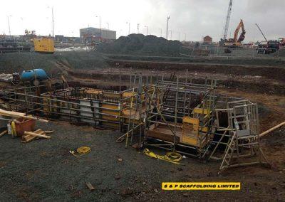 Cofferdam scaffolding