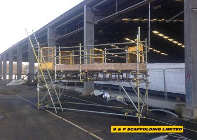 Designed craneable scaffolding