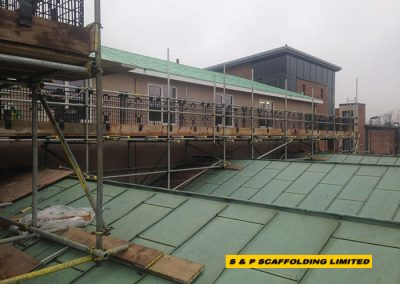 Designed roof scaffolding