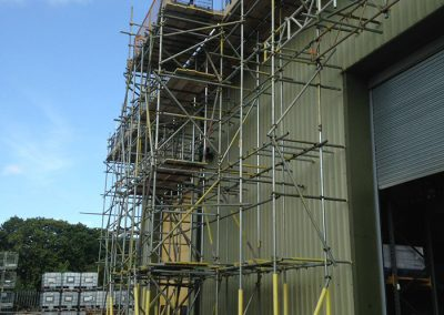 Independent beam scaffolding