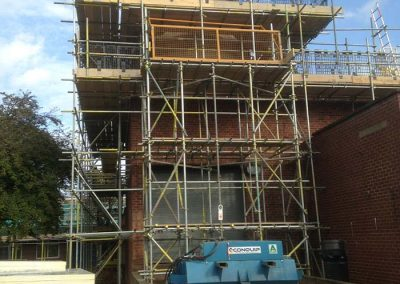 Loading bay scaffolding