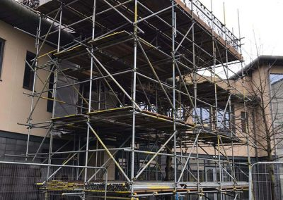 Freestanding designed scaffolding